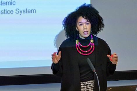Michaela Moua: Erste Anti-Rassismus-Koordinatorin innerhalb der Europäischen Kommission
